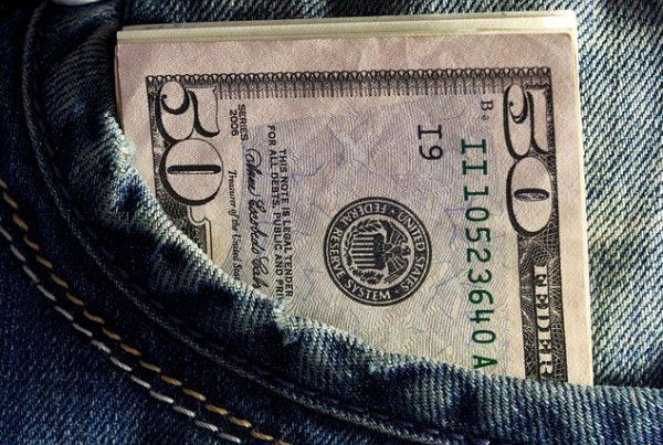 money-548948_640-1