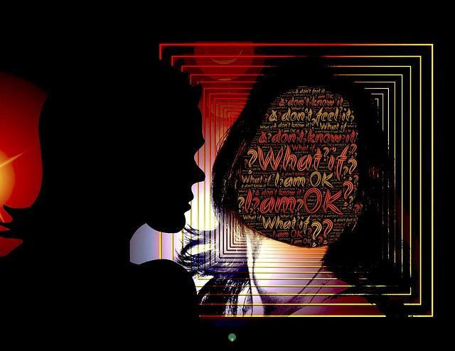 woman-mirror-913568_640
